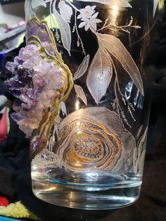 Resin Art, Geode Art, Glass Engraving, Flowers, Amethyst,  Quarz, Glitter, Glass Engraving, Resin Art, Portrait, Glass Vase, Amethyst, Flowers, Gold, Decor, Vases