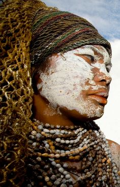 "Papua New Guinea | ""Funerals"". Mount Hagen festival. Highlands | © Eric Lafforgue"