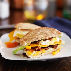 Start your day off right with one of these five protein-packed breakfasts -- all under 500 calories!