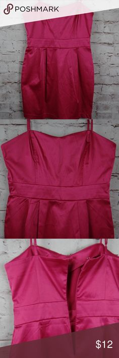 "NWT Forever 21 Women's Sz M/M Dress Hot Pink Lovely Hot Pink Adjustable Spaghetti Strap Dress! Approx. Armpit to Armpit: 15.5"" Strap to Hem: 32"" Forever 21 Dresses"