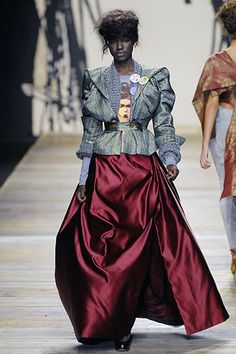 Andreas Kronthaler for Vivienne Westwood Fall 2006 Ready-to-Wear Fashion Show Timeless Fashion, High Fashion, Fashion Show, Vintage Fashion, Fashion Design, Couture Fashion, Runway Fashion, Japanese Fashion, Vivienne Westwood