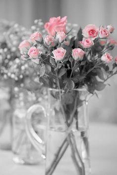 💗Ana Rosa / floral arrangement / touch of pink My Flower, Pretty Flowers, Pretty In Pink, Color Splash, Color Pop, Colour, Pink Color, Bouquet Champetre, Rose Cottage