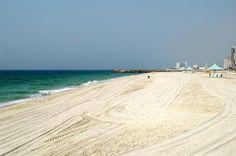 Beach along the Corniche in Ajman (Ajman)