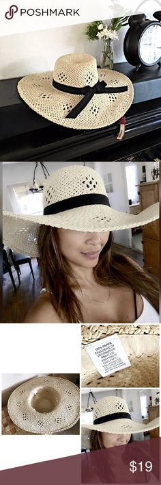 🌿Floppy Summer Hat🌿 🌿NWT -- Cream Colored Wide Brimmed Floppy Summer Hat🌿 Black trim and ribbon 🌿 Chic design 🌿 Perfect Summer Hat 🌿 OSFM🌿 Accessories Hats