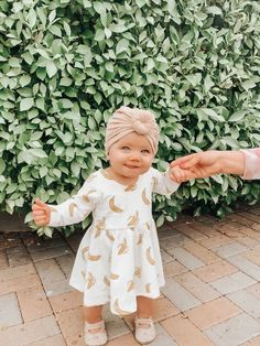 Source by mela_wi girl outfits adorable Cute Little Baby, Little Babies, Cute Babies, Cute Baby Girl Outfits, Cute Baby Clothes, Cute Baby Pictures, Baby Photos, Cute Baby Onesies, Outfits Niños