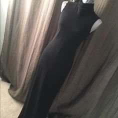 """Maxi black dress. Gorgeous body hugging Ralph Lauren maxi gown. This gown is 60"""" from hem to floor and so is its lining. Ralph Lauren Dresses Maxi"""