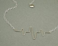 Wire heart beat necklace