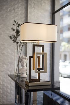 Edge lighting Collection by Oasis Edge table lamp with lampshade Design Tisch, Luminaire Design, Retro Lampe, Bedroom Lamps, Living Room Table Lamps, Modern Table Lamps, Lamp Table, Transitional Decor, Living Room Modern