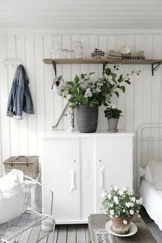 VINTAGE INTERIOR BLOGS VI: What we did last summer..