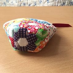 Patchwork Patterns, Patchwork Bags, Coin Bag, Simple Bags, Fabric Crafts, Hand Sewing, Patches, Pouch, Quilts