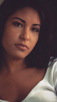 Selena Quintanilla @chelseaschouw was t she so beautiful