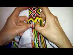 kabyle assaru p4 - YouTube Tapestry Crochet Patterns, Crochet Stitches Patterns, Crochet Motif, Crochet Patron, Tapestry Bag, Boho Bags, Crochet Bracelet, Crochet Videos, Friendship Bracelet Patterns