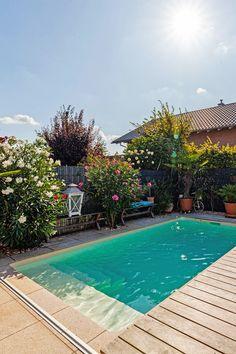 Mini Pool, Small Pools, Swimming Pools Backyard, Pergola Plans, Cool Pools, Pool Designs, Patio Design, Backyard Patio, Physics