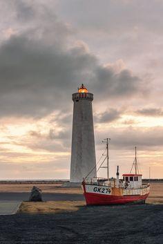 Icelandic lighthouse at sunsset... #Icelandic #lighthouse #lighthouses