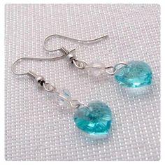 Fülbevaló inspiráció #Swarovski SZÍV medálból #Blue #Zircon, és Bicone gyöngyből #Crystal színben.