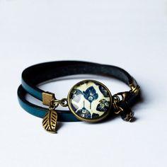Bracelet fin en cuir bleu bracelet cabochon par Bouclelacreations