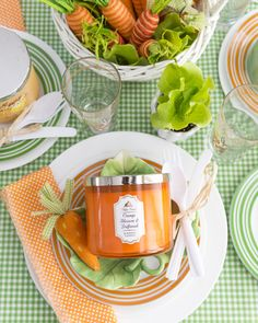 Some bunny LOVES brunch … (really, who doesn't?!) Take your bunny love to new levels by pairing orange & green everything (plus a dash of gingham!) to create your own bunny & carrot inspired tablescape!