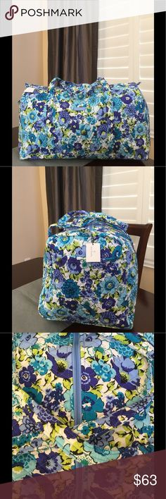"""NWT VERA BRADLEY LARGE DUFFEL Brand new with tags Vera Bradley large duffel  Blueberry blooms pattern  15"""" strap drop Handy outside end pocket Folds flat for easy storing Dimensions 22"""" W x 11½"""" H x 11½"""" D - 15"""" strap drop Duffle Smoke/pet free home Vera Bradley Bags Travel Bags"""
