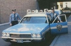 Blue brothers NYPD Us Police Car, Car Cop, Police Patrol, New York Police, State Police, Police Officer Uniform, Police Uniforms, Sirens, 4x4