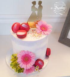 Svadobná torta môže byť aj menšia #svadba #torta #trnava Cupcake Shops, Shop Price, Bakery, Birthday Cake, Cooking, Desserts, Food, Kitchen, Tailgate Desserts