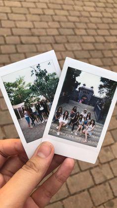 'Summerising' Friendship Polaroid Instax Mini, Polaroid Ideas, Photo Polaroid, Instax Film, Instax Camera, Polaroid Pictures, Creative Pictures, Cool Photos, Film Pictures