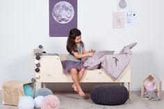 Skandynawskie łóżeczko, łóżeczko z drewna, drewniane łóżeczko. Zobacz więcej na: https://www.homify.pl/katalogi-inspiracji/37252/lozka-dla-dzieci-12-fantastycznych-pomyslow