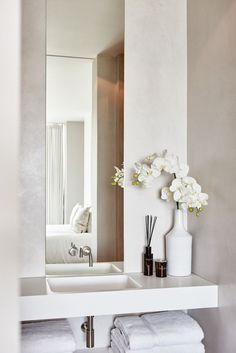 The Netherlands / Private Residence / Bed Room / Stills / Eric Kuster / Metropolitan Luxury Small Bathroom Storage, Bathroom Styling, Bathroom Organization, Minimalist Bathroom, Modern Bathroom, Large Bathrooms, Home Staging, Bathroom Inspiration, Interior Inspiration