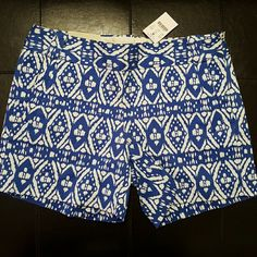 PRINT SHORTS Stretch Chino City Fit; it's above the hip and fitted through the legs  New J. Crew Shorts