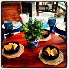 Churrasco - mesa azul e branco