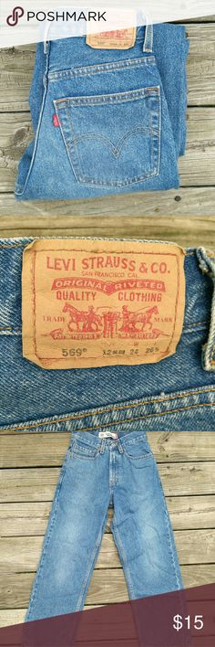 569 Levi's slim 569 Levi's size 12 slim pretty sure these are childrens size 🤔🤔W 24 L 26 in great condition 😍😍 Levi's Jeans Straight Leg