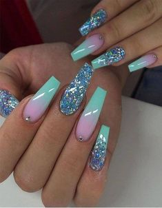 Semi-permanent varnish, false nails, patches: which manicure to choose? - My Nails Cute Acrylic Nail Designs, Long Nail Designs, Ombre Nail Designs, Glitter Nail Designs, Art Designs, Simple Nail Designs, Beautiful Nail Designs, Design Art, Summer Acrylic Nails