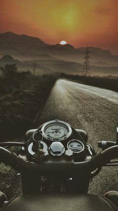 Royal enfield iPhone Wallpaper The post Royal enfield iPhone Wallpaper appeared first on Trendy. Motos Royal Enfield, Royal Enfield Logo, Royal Enfield Classic 350cc, Enfield Bike, Enfield Motorcycle, Motorcycle Style, Women Motorcycle, Motorcycle Helmets, Motorcycle Travel
