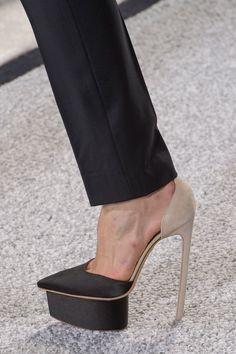 e5f0b8742cc4 Giambattista Valli SS17 Beautiful Shoes