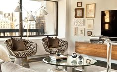 Those chairs! Contemporary living room with animal print. Animal Print Furniture, Animal Print Decor, Animal Prints, Living Room Furniture, Living Rooms, Inspired Homes, Portfolio Design, Decoration, Sweet Home