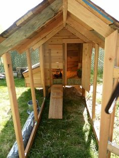 Another chicken coop to review and or admire. (****New Pics Added****)
