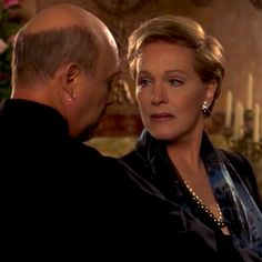 "Julie Andrews and Héctor Elizondo as Clarisse Renaldi and Joseph in ""Princess Diares"""