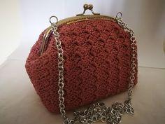 Crochet Bag Tutorials, Crochet Videos, Coin Bag, Sewing Accessories, Little Bag, Crochet Designs, Purses And Bags, Wallet, Knitting