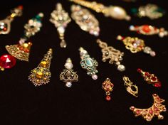 Hand-made bindis to adorn your third eye. Made from vintage jewelry, Swarovski crystals and antique gems. Third Eye Piercing, Arabian Nights Costume, Clothing Swap, 3rd Eye, Festival Makeup, Bindi, Girly Things, Costume Ideas, Really Cool Stuff