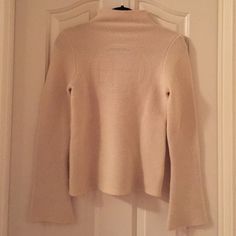 Tory Burch cream sweater Tory Burch cream sweater! High neck! Great condition! Light for spring! Tory Burch Sweaters Cowl & Turtlenecks