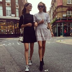 Same town, same dress! #london @piatjelta  @mariamena_no