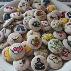 いいね!821件、コメント14件 ― 양품점 (윤진주)작품전시관さん(@stit_jj)のInstagramアカウント: 「애정하는  양품점 단추  #handmade #Embroidery #korea #france #linen #stitch #vintageshop #hamplinen…」