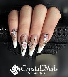 #acrylmalerei #gelmalerei #flower #royalgel #colorgel #nageldesign #wien #nails #nailart #crystalnails #vienna