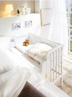 Białe Łóżeczko dostawne dostawka do łóżka rodziców