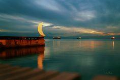 Τι καιρό έχει; Θεσσαλονίκη Thessaloniki Κεντρική Μακεδονια Αίθριος, Θερμοκρασία 10°C, άνεμος 3 μποφόρ, υγρασία 42% Greek Beauty, The Turk, Thessaloniki, Sufi, Macedonia, Daydream, Greece, Night, City