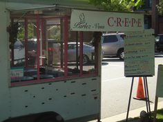 Parlez-Vous Crepe truck. Chapel Hill/Carrboro NC. Owned by Jody Argote. Brie, sliced apples, mixed greens and apple butter. Or Lemon Creme with fresh sliced strawberries. YUM! Aren't we lucky?