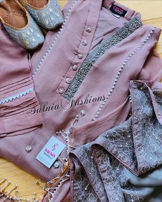 Sleeves Designs For Dresses, Neck Designs For Suits, Neckline Designs, Dress Neck Designs, Simple Pakistani Dresses, Pakistani Fashion Casual, Pakistani Dress Design, Stylish Dress Designs, Stylish Dresses For Girls
