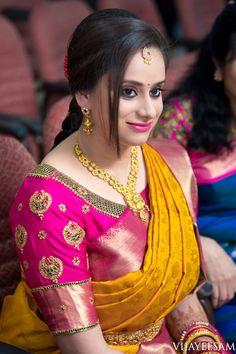 Latest maggam work bridal blouse designs 2019 - New Blouse Designs Wedding Saree Blouse Designs, Pattu Saree Blouse Designs, Simple Blouse Designs, Stylish Blouse Design, Fancy Blouse Designs, Blouse Neck Designs, Designer Blouse Patterns, Blouse Models, Nike