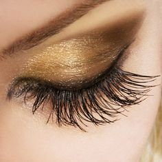 augen make up in gold farbe