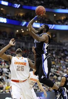 No. 1 seed Syracuse trails UNC-Asheville at halftime 34-30. Will this be the first 16 over a 1 in NCAA history? (photo via US Presswire)