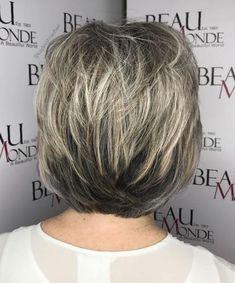 Short-To-Medium Feathered Cut Short Grey Hair, Short Straight Hair, Short Hair Styles, Thin Hair, Curly Hair, Beige Blonde Hair Color, Honey Blonde Hair, White Blonde, Hot Hair Colors
